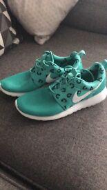 Nike Roshe trainers 6.5