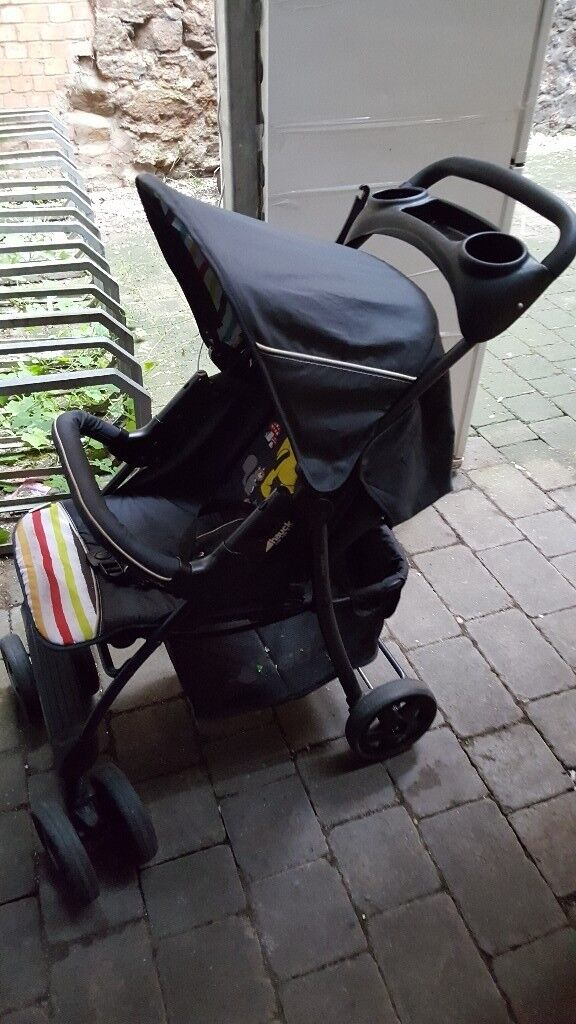 Pushcar, baby car seat,moses basket, baby hanger in a very good condition for sale.