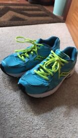 Womens Saucony Oasis Trainers size 8