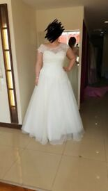 **BRAND NEW** Wedding dress Hermione H12 size 22 fits size 18 white bridal gown