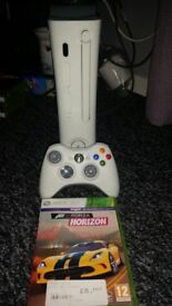 Xbox 360 arcade perfect condition 120gb with Forza horizon