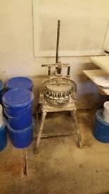 Bakery equipment. 30 piece manual dough divider.