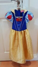 Girls fancy dressing up clothes - snow white plus others, ages 3-7