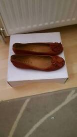 Office tan leather shoes size 5