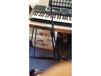 Keyboard Yamaha 36 keys with stand