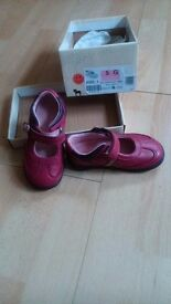 Start-rite girls shoes size 5G Berry leather NEW!