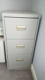 Grey 3 drawer filling cabinet with suspension files