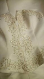 Ivory Veromia wedding gown vale and tiara