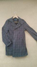 Gentleman's long jacket. In small.