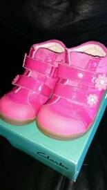 Baby shoes Clarks size 4 1/2G