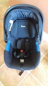 Black Silver Cross Simplicity Baby Car Seat and the Simplifix ISOFIX Base