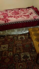 A large double room available for rent in a Muslim family house