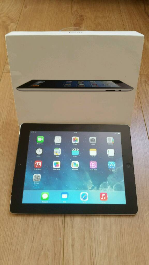 Ipad 4 16GB wifiin Pudsey, West YorkshireGumtree - Ipad 4 16GB wifi only. Perfectly working order and in good condition. Comes with USB cable, power adapter and leather case. Collection from Wibsey Bradford