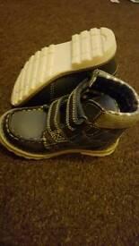Boys boots size 7