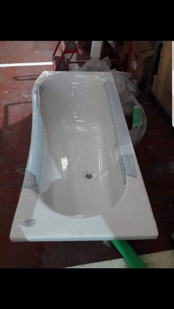 P shape bath