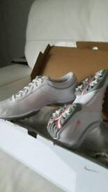 Nike size 4 golf shoes