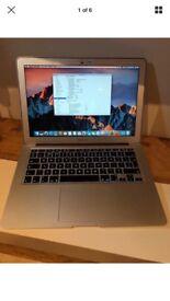 MacBook Air, 13-inch, Early 2015, 1.6 GHz intel core i5, 8GB Ram, 250GB SSD - I481639