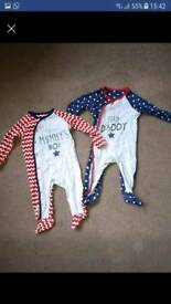 Set of baby grows