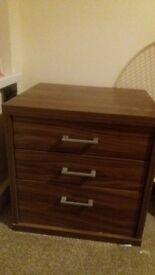 a pair ofbed side table only 20