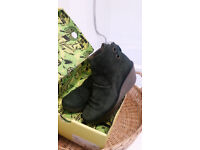 Fly - size 7 womens Forest Green lace up boots
