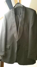 Men's Black Tuxedo Dinner Suit and White Dress Shirt