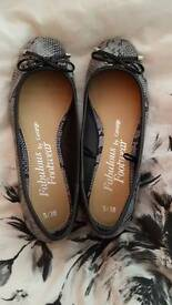 Ballet style shoes size 5 *as new*
