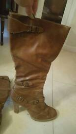 Brown boots. Size 8
