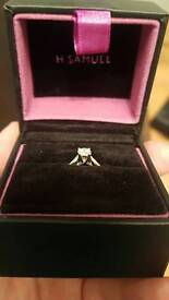 ***REDUCED PRICE*** Beautiful white gold diamond engagement ring