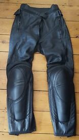 Dainese Ladies motorbike trousers in Size 8. Like New!
