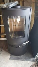 Termatech TT20 Multifuel Stove + white D shaped toughened glass hearth. Brand New. Never fitted.