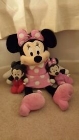 Disney - Large mini mouse soft toy