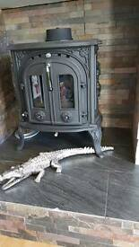Double door cast iron log burner