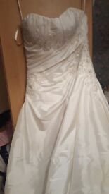 Phil collins wedding dress bought brand new worn once for my day