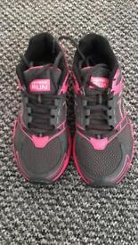 Karrimor Trainers size 4