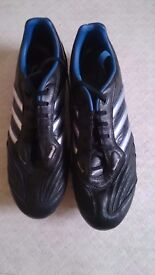 Addidas football or rugby boots excellent condition black size 12