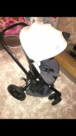Brilliant condition quinny moodd stroller