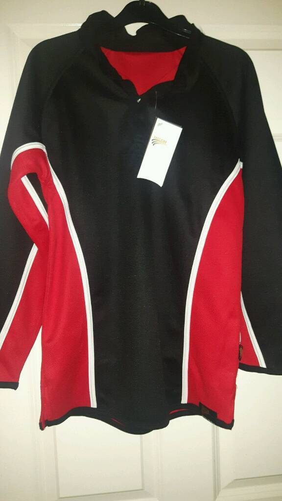 Chalk Hills Academy Rugby Shirtin Luton, BedfordshireGumtree - Brand new with tags Size 34 36. Reversible rugby shirt cost £18 sell for £10 ono. Collection only from Farley Hill Luton