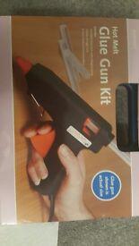 Hot melt glue gun kit