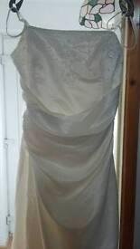 New never worn size 20-22 lace up backed ivory wedding dress