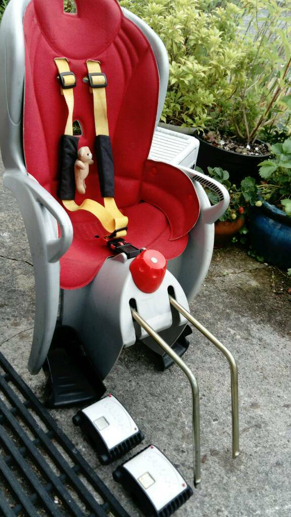 Hamax sleepy bike seat 2 bracketsin Plymouth, DevonGumtree - Good condition child seat with bonus of 2 brackets, 1 bracket unused. making it more versatile for 2 bikes (bracket rrp £40 on ebay). Very adjustable seat with recliner setting, so child can fall asleep safely, with neck supported