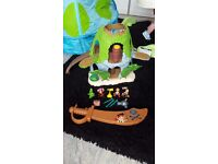 Jake neverland pirate hideaway figures and sword