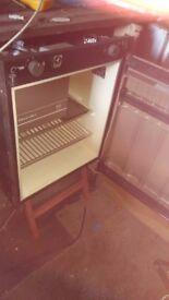 Caravan 3 way fridge Rm212