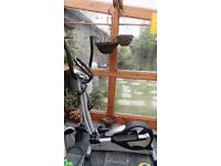 V-fit 07PME Cross Trainer