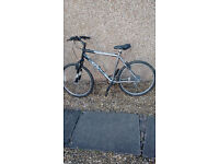 Schwinn Frontier 191C5 Ladies & Gents Bicycles for sale, aluminium frame in good condition