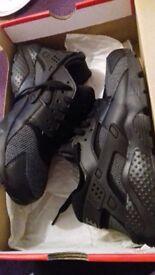 Black Nike huarache for sale £35 ono