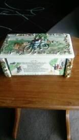 Crown Devon musical cigarette box