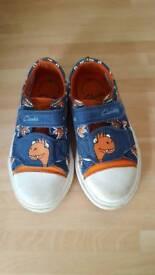 Kids Clarks 8.5G dinosaur shoes