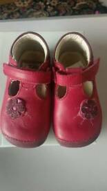 Clarks pink girl shoes 5G