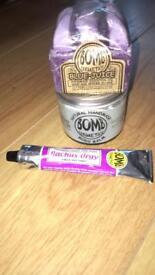 Bomb cosmetics items