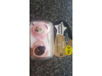 Brand New Tommee Tippee (0-6 months) Moda orthodontic Soothers Pink/Black